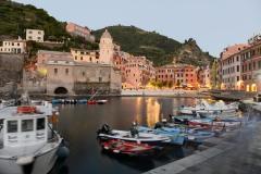 Night Falls on the Harbor in Vernazza || Cinque Terre