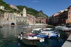 The Harbor at Vernazza || Cinque Terre