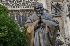 Pope John Paul II Statue at Notre-Dame Cathedral || Paris