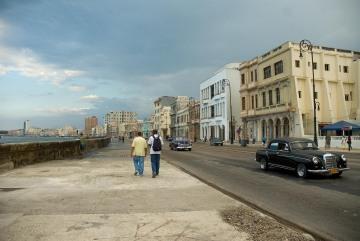 Walking the Malecón || Havana, Cuba