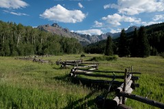 Split Rail Log Fence in Sneffels Range || Colorado