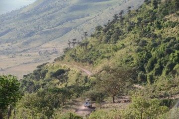 Descending into the Ngorongoro Crater || Tanzania