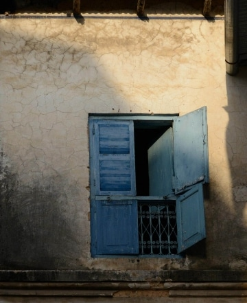 Stone Town Window || Zanzibar