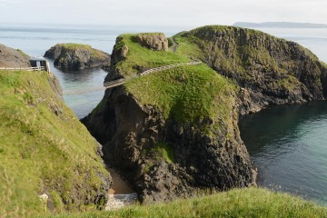 Carrick-a-Rede Rope Bridge || Northern Ireland