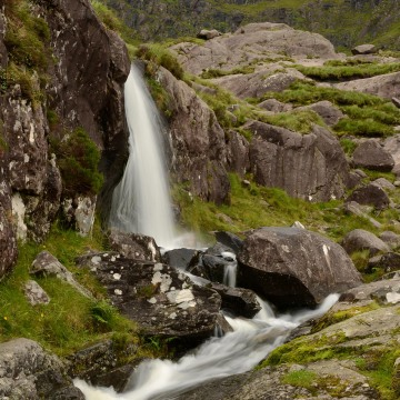 Waterfalls along Conor Pass|| Dingle Peninsula
