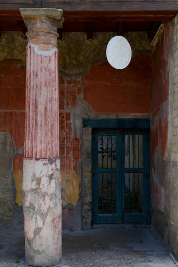 Ancient Ruins || Herculaneum