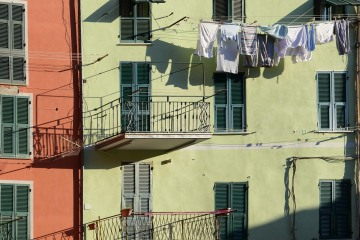 Clothes Drying in Manarola || Cinque Terre
