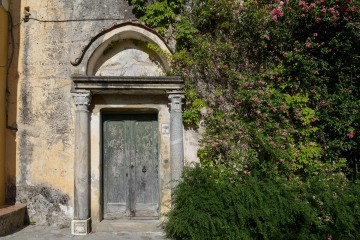 Old Door in Ravello || Amalfi Coast