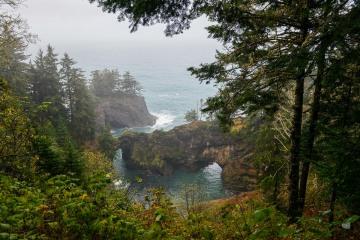 Natural Bridges at Samuel H. Boardman State Scenic Corridor || Oregon Coast