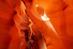 Light Beams Paint the Walls || Lower Antelope Canyon