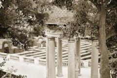 Horta-Gardens-and-Maze-Pavilion