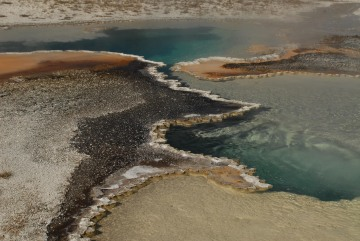 Doublet Pool at Upper Geyser Basin    Yellowstone NP