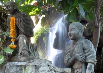 Buddha Waterfall at Wat Pho || Bangkok