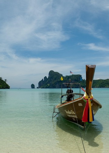 Longtail Taxi Boats in Lodalum Bay || Ko Phi Phi Don