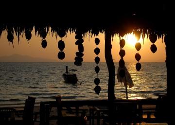 Rantee Bay Sunrise || Ko Phi Phi Don