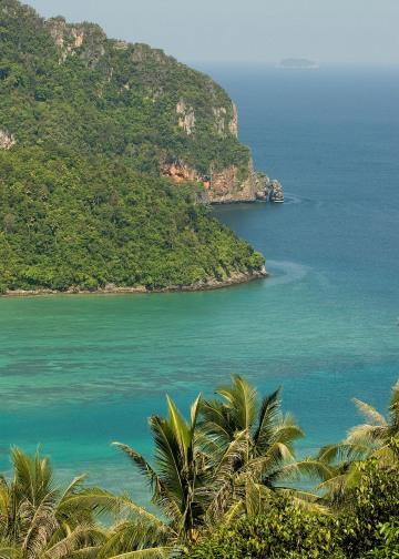 Turquoise Waters of the Andaman Sea || Ko Phi Phi