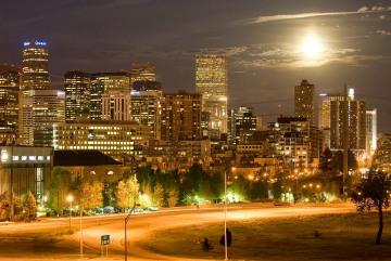 Moon Rises over Mile High || Denver