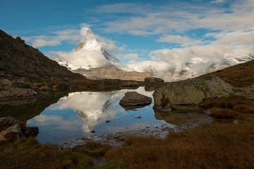 Matterhorn Reflection in Riffelsee Lake || Switzerland