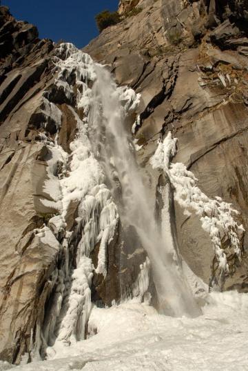 Frozen Yosemite Falls || Yosemite NP